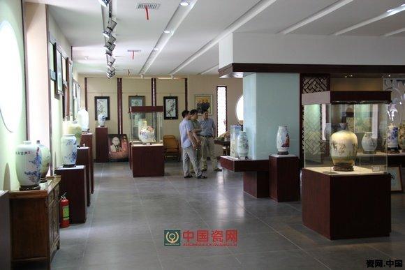 图1.涂氏陶瓷艺术馆展厅-集一门三代陶瓷精品于一馆 涂氏陶瓷艺术馆