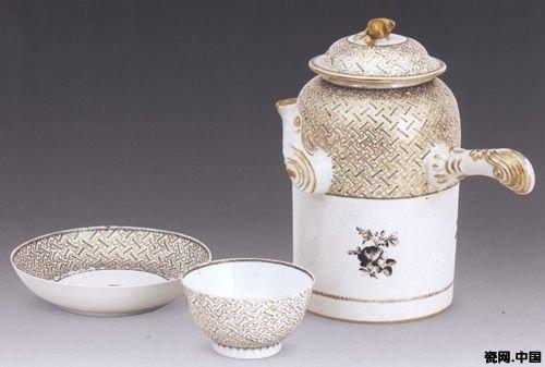 牡丹花等花卉纹样广泛运用于陶瓷