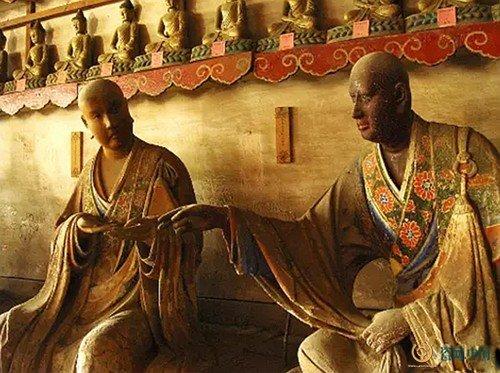 起天台醉菩提济癫和尚(左)忍辱无嗔伏虎禅师(右)-海内第一名塑